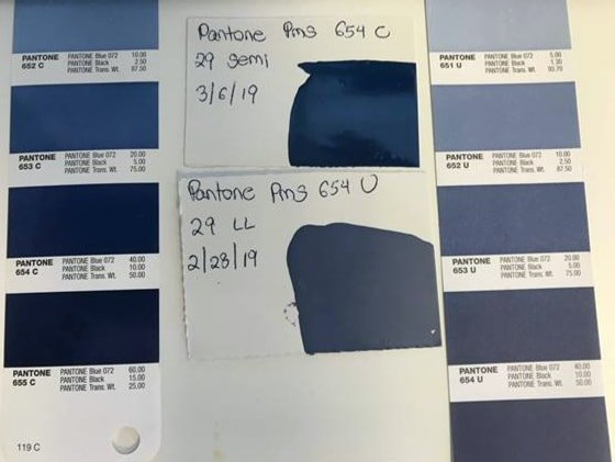 Difference in color between Pantone 654C vs 654U